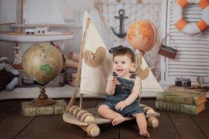צילומים לתינוק בן שנה עם רפסודה