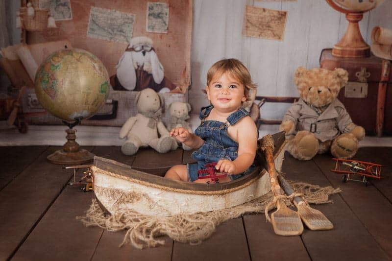 צילומי יום הולדת לתינוק בן שנה בתוך סירה