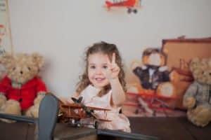 צילומי משפחה לליה שיושבת באוירון