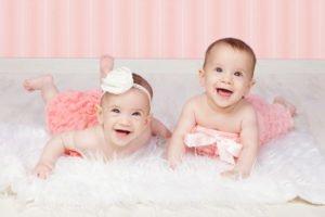 צילומי יום הולדת לתאומות בנות שנה