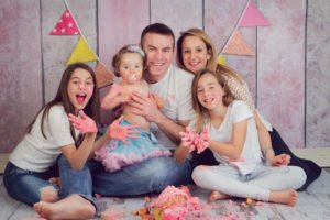 כל המשפחה מתלכלכת בצילום קייקסמאש מרגש