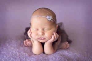 צילום ניובורן לתינוקת בת שישה ימים