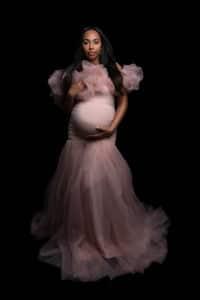 צילומי הריון בשילוב שמלות מיוחדות. בוק הריון מרהיב.
